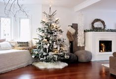 Living-Room-Ideas-for-a-Very-Scandinavian-Christmas_5 Living-Room-Ideas-for-a-Very-Scandinavian-Christmas_5