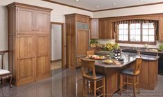 #Kitchen Idea of the Day: Country Kitchens. (By Crown Point Cabinetry)