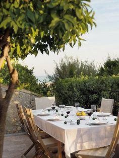 Al Fresco dining.