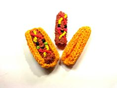 Rainbow Loom - 3D Happy HOT DOG Charm. Designed and loomed by Ellen Carpenter at feelinspiffy. Click photo for YouTube Tutorial. 09/27/14.