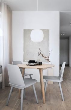 TDC: A Tranquil Sunlit Apartment in Sweden