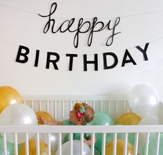 Fill the crib with balloons for a first birthday photo. LOVE! pinned with Pinvolve - pinvolve.co