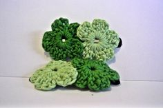 Because green is the years color <3 #Hairclips #Crochet