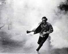 La lutte continue - UC Berkeley - May 1970 Creative Inspiration, Character Inspiration, Daily Inspiration, Design Inspiration, Graffiti, Photoshop, Photojournalism, Street Photography, Fashion Photography