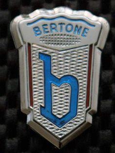 Bertone Car Badges, Car Logos, Logo Autos, Alfa Romeo, Vintage Cars, Antique Cars, Car Symbols, Volvo, Lamborghini