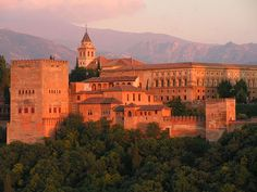Alhambra - murallas de la Alhambra (S.XI al XIV).