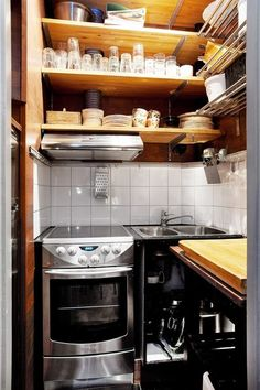 Love this - as I am going to keep my 'full size' apartment size oven and stove.  I will take some flack....some would consider it a space killer, but I WANT it :)
