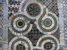 Anagni (FR) - Chiesa di San Pietro in Vineis - Porzioni di quincuxes identiche a quelli della cripta di San Magno - Nicola Severino