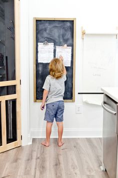 The Ultimate Summer Chores Checklist to Help Your Children Structure their Day featured by popular Florida lifestyle blogger, Tabitha Blue of Fresh Mommy Blog! A Free Printable no screentime summer activity list for busting boredom, keeping the house clean and for kids to stay responsible.