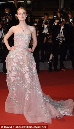 Elle Fanning dazzles at Cannes Film Festival premiere of The Neon Demon | Daily Mail Online