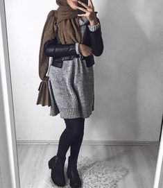 Pin by Audrey on Look in 2019 Hijab Outfit, Hijab Casual, Hijab Chic, Hijab Fashion Casual, Street Hijab Fashion, Abaya Fashion, Hijab Fashion Inspiration, Mode Inspiration, Islamic Fashion
