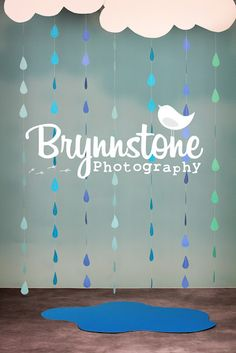 Tutorial: Raindrop & Heart Garland Photography Backdrop » brynnstone.com - love the raindrops for May pictures!?
