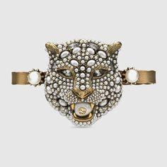 GUCCI Feline Head Palm Cuff With Crystals. #gucci #fashion rings