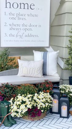Lowell Bench via BHG Live Better influencer @dreamingofhomemaking. #autumn #fall #frontporch #frontporchdecor #frontdoor #frontbench #decor #mums #planter #fallideas #falldecorations #fallporchdecor