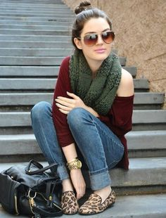 Hot Winter Fashion Ideas: Are you looking for some winter outfits for young school and college going girls? You would love reading this because Outfit Trends bring you some super cool winter fashion ideas for teens. Mode Outfits, Winter Outfits, Casual Outfits, Casual Wear, Yellow Outfits, Outfits 2014, Urban Outfits, Office Outfits, Skirt Outfits