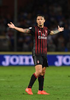 Gianluca Lapadula of AC Milan reacts during the Serie A match between UC…