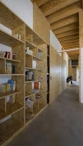OSB shelving Small House by Antonio Ravalli Architetti Office Interior Design, Office Interiors, Küchen Design, House Design, Osb Plywood, Osb Board, Diy Furniture, Furniture Design, Shelving