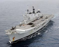 Royal Navy Aircraft Carriers, Navy Carriers, Marina Real, Hms Illustrious, Naval History, Military History, Royal Marines, Navy Ships, Battleship