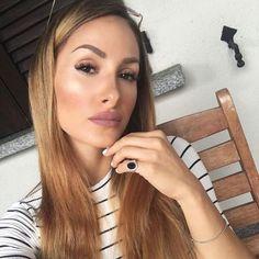 Snapchattando:cindinasworld❤️  Buongiorno mondo!!!! #makeup #followback #beauty