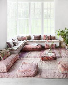 90 Modern Bohemian Living Room Inspiration Ideas - deco - Home Boho Living Room, Home And Living, Living Room Decor, Living Room Yoga, Modern Living, Minimalist Living, Cozy Living, Living Spaces, Room Ideias