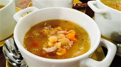 Soupe aux pois d'antan | Marina Orsini | ICI Radio-Canada.ca Marina Orsini, Canadian Food, Cheeseburger Chowder, Entrees, Salads, Healthy Recipes, Healthy Food, Cooking, Pin