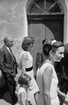 Jackie Kennedy, her daughter Caroline and Princess Lee Radziwill during a 2 week vacation in Ravello, Italy. August 8, 1962