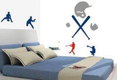 Con la llegada de la temporada de Béisbol seguro tu hijo querrá en las paredes de su habitación este moderno Vinil.