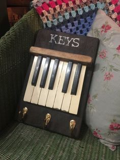 My First Piano is the only source for digital pianos and their maintenance. Visi… My first piano is the only … The Piano, Piano Art, Piano Lamps, Vieux Pianos, Diy Projects To Try, Craft Projects, Piano Crafts, Old Pianos, Diy Cadeau