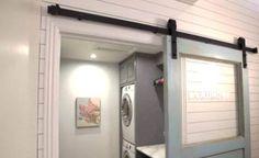 Una mamma con 6 figli ha costruito la stanza della lavanderia dei suoi sogni in casa, spendendo poco e massimizzando lo spazio disponibile. Un capolavoro.