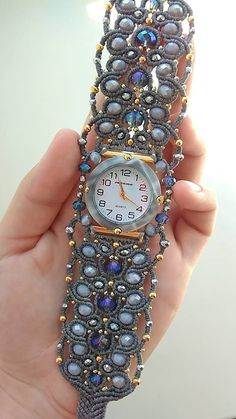 Relógios pulseira! Todos feitos com miçangas, lindos!