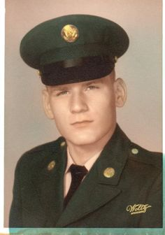 Virtual Vietnam Veterans Wall of Faces | CARL M REYNOLDS | ARMY