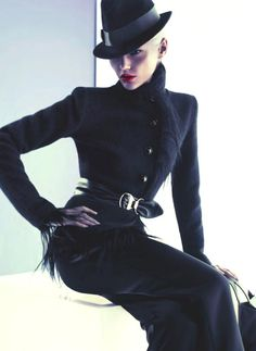 OK this is my all time favourite fashion photo, she looks so friggin elegant in this black suit.