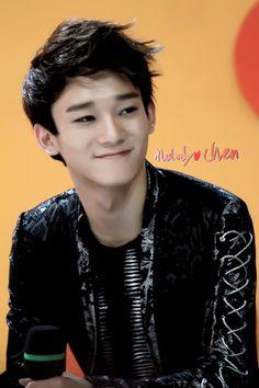 Chen exo m.sooo handsome ♥I love you chen! Sehun Oh, Tao Exo, Exo Chen, Kyungsoo, Chanyeol, Kim Jong Dae, Exo Lockscreen, Exo Korean, Kim Jongin