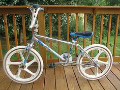 Haro Master Freestyle BMX Bike Vintage Bmx Bikes, Bmx Freestyle, Bmx Bicycle, Stunts, Cars And Motorcycles, Old School, Ideas, Waterfalls, Thoughts