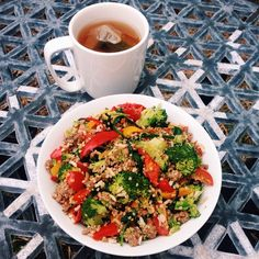 """Bit of a throw together stir fry for lunch today with a bit of everything. 1/2 cup mixed brown rice/quinoa, broccoli, 120g lean beef mince, tomato, spinach and capsicums "" Photo taken by @healthyfoodislyf on Instagram, pinned via the InstaPin iOS App! http://www.instapinapp.com (07/14/2015)"