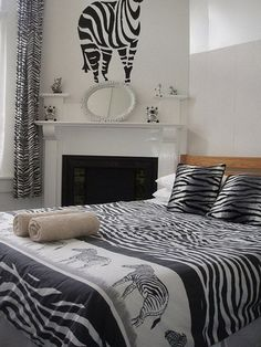 Zebra Print Rooms create a gorgeous room bedroom decorating ideas in leopard print