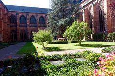 Dom in Mainz - Im Kirchgarten