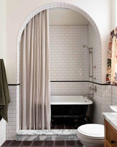 "Heidi Caillier on Instagram: ""A pretty arch + a cute gingham shower curtain for one lucky little lady. 📷: @haris.kenjar #heidicaillierdesign #interiordesign…"" Decoration Inspiration, Bathroom Inspiration, Interior Inspiration, Decor Ideas, Design Inspiration, Eclectic Bathroom, Bathroom Interior Design, Interior Decorating, Decorating Tips"