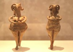 SYRIAN INFLUENCES ON CYPRUS Bird-faced female figurines. Late Cypriot II Period, 1450-1200 BC Athens, National Archaeological Museum, Cypriot Collection