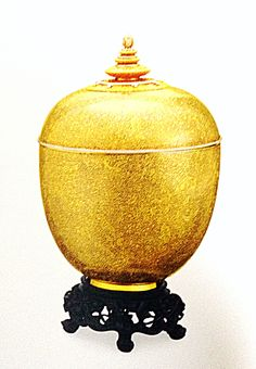 Gold niello vessel.   The  admirable ancient art of gold and silver nielloware practiced since the Ayudhaya period has been lovingly restored to its former glory.
