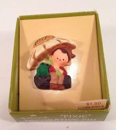 Pixie Elf Boy with Frog under Daisy umbrella. Safety type C-hook pin on back. Hallmark Christmas Ornaments, Christmas Presents, Lapel Pins, Pixie, Elf, 1970s, Daisy, Brooch, Holiday Decor