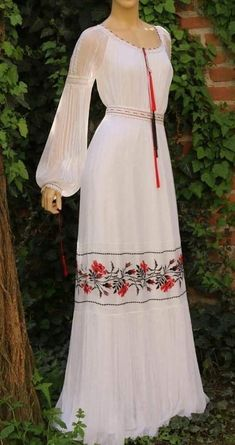 Frock Fashion, Boho Fashion, Fashion Dresses, Designer Party Wear Dresses, Kurta Designs Women, Mexican Dresses, Stunning Dresses, Traditional Dresses, Ball Gowns