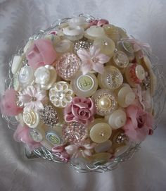 button bouquet...this is so pretty