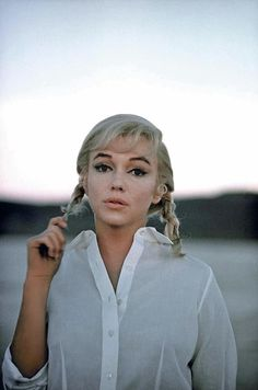 26 Beautiful Marilyn Monroe Photos By Eve Arnold...I think some of the most amazing pictures of Marilyn were taven by Eve on the set of the Misfits!