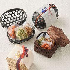 Jar Packaging, Dessert Packaging, Cookie Packaging, Food Packaging Design, Eid Hampers, Luxury Hampers, Japanese Packaging, Diy Food Gifts, Biodegradable Packaging