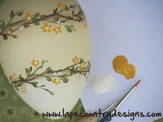 Si avvicina la Pasqua e vi propongo un tutorial per decorare le uova in plexiglass. Non è una decorazione difficile anche se pittorica,...