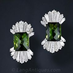 Gift wrap your ears with these fabulous tourmaline and diamond bow motif earrings featuring a matched pair of deep green tourmalines embraced at either end by a splashy spray of bright white tapered baguette diamonds, totaling over three and-a half carats Diamond Bows, Diamond Studs, Diamond Earrings, Stud Earrings, Antique Earrings, Antique Jewelry, Vintage Jewelry, Gems Jewelry, Jewlery