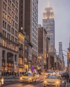 Empire State Building, Empire State Of Mind, New York Life, Nyc Life, City Aesthetic, Travel Aesthetic, City Vibe, New York City Travel, Dream City