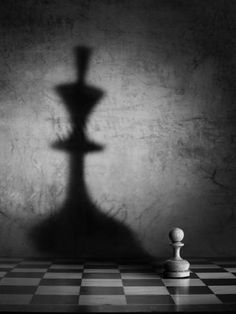 Outstanding Collection Of Creative Pictures. Chess piece and shadow pho. Outstanding Collection Of Creative Pictures. Chess piece and shadow photograph. Light And Shadow Photography, Still Life Photography, Black And White Photography, Conceptual Photography, Creative Photography, Art Photography, Photography Office, Proposal Photography, Silhouette Photography