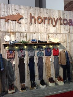 Visual Merchandising Horny Toad Outdoor Retailer 2014 - stumps for shoe display
